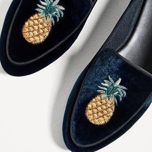 Zara pineapple velvet loafers 37
